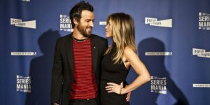 "Justin Theroux i Jennifer Aniston na premierze ""Pozostawionych"" (Fot. Gilles Coullon/Series Mania)"