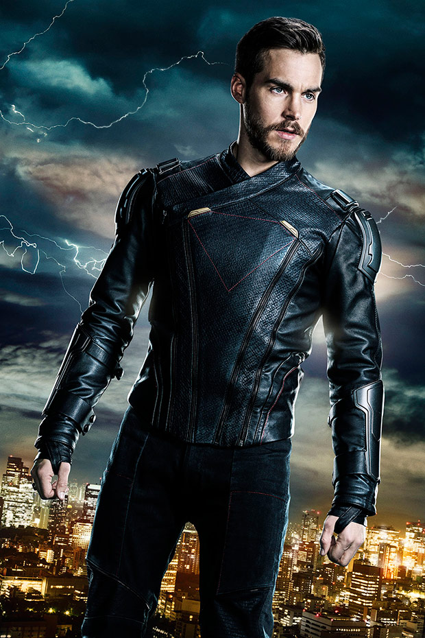 supergirl-mon-el-first-look-full